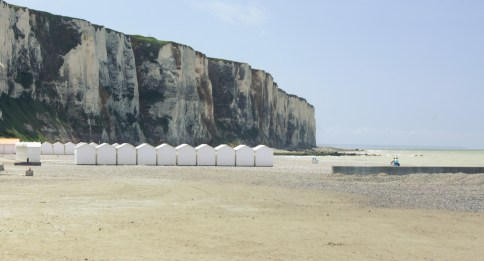 Le Tréport - Falaises et plage de galet
