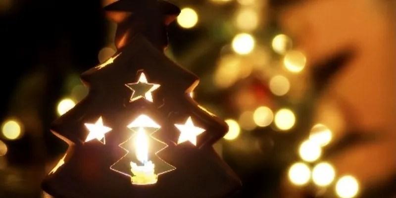 Troverai tante immagini simpatiche, divertenti, immagini di babbo natale, immagini di animali con addobbi natalizi, simpatici e divertenti pupazzi di neve, oppure immagini con alberi di natale decorati ed addobbati. Le Piu Belle Poesie Di Natale