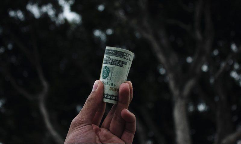 Causas y consecuencias de las limitaciones y prohibición a la circulación de efectivo