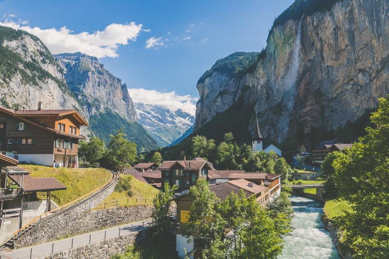 Empresa y residencia en Suiza – casos en los que puede ser interesante registrar una empresa en Suiza