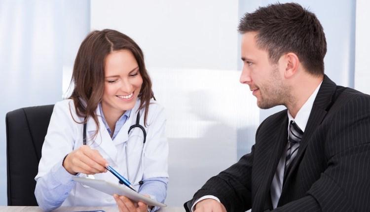 Colombia, mercado laboral requiere médicos con mentalidad empresarial