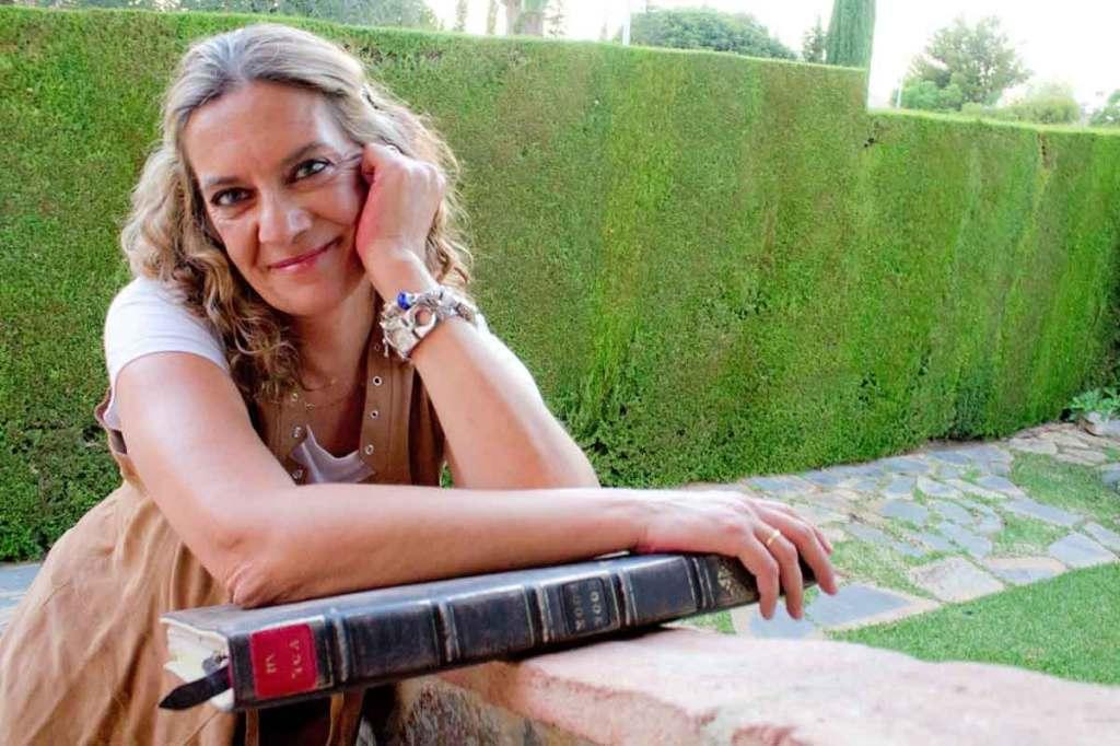 La escritora granadina Mercedes Pinto