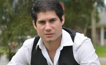 Adrian Henríquez, a la caputra de Shadowboy