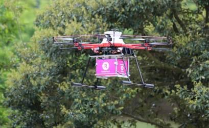 Dron de Rakuten Kobo volando