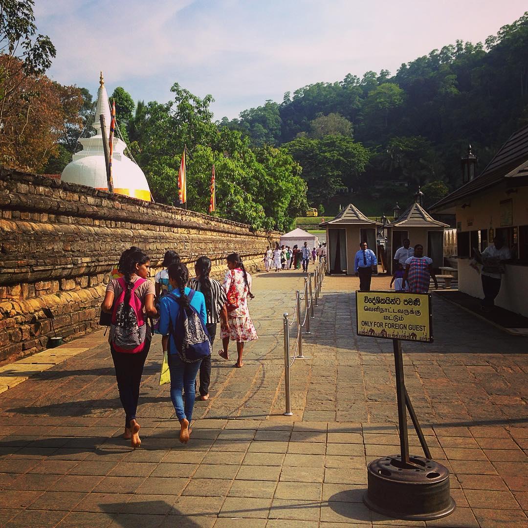 Kandy, Sri Lanka. Les Sri-Lankaises peuvent être très jolies