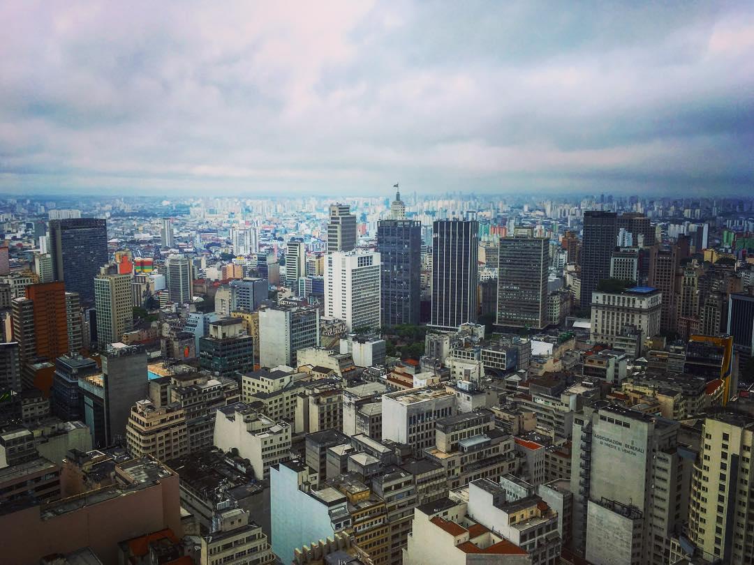 São Paulo, État de São Paulo, Brésil. Sous des faux airs de New York latino, São Paulo est la ville des superlatifs.