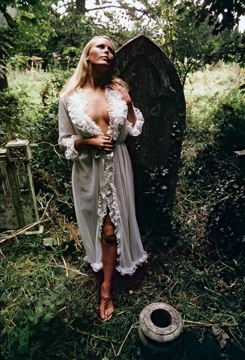 foto nel cimitero 1