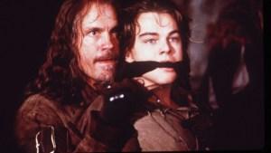 John Malkovich è Athos