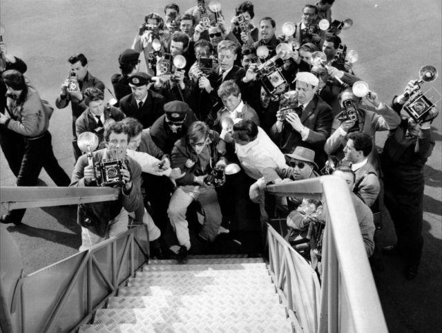 I paparazzi de La dolce vita (1960) di Federico Fellini