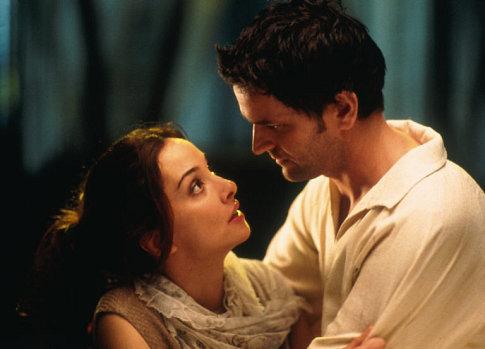 Edward Atterton è Duncan Idaho ne I figli di Dune (2003) di Greg Yaitanes