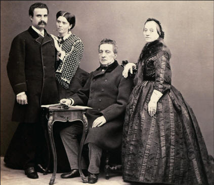 Da sinistra verso destra: Ignazio Florio, Giovanna d'Ondes, Vincenzo Florio, Giulia Portalupi