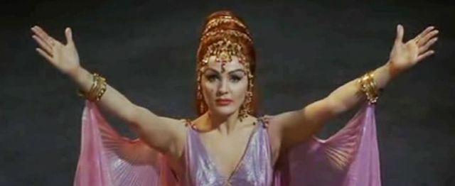 Moira Orfei in Totò e Cleopatra (1963) di Fernardo Cerchio