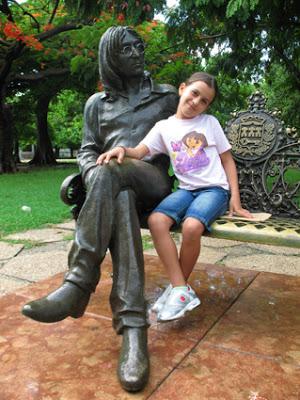 Ítaca. You may say I'm a dreamer… pero me toca serlo sin espejuelos. Por Concepción M. Moreno.