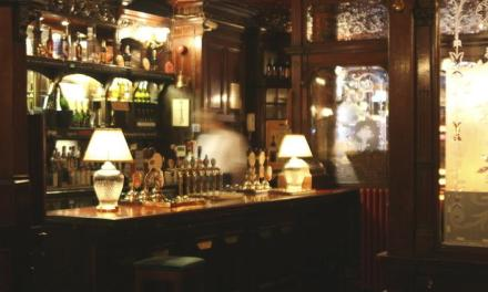 Los pubs de Rathbone place. Julian MacLaren-Ross