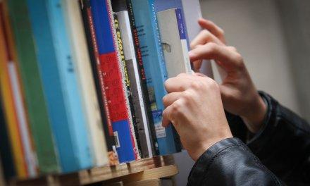 La estantería: Douglas Kennedy, Manuela Buriel, Can Xue, Stefan Zweig y Chris Hadfield