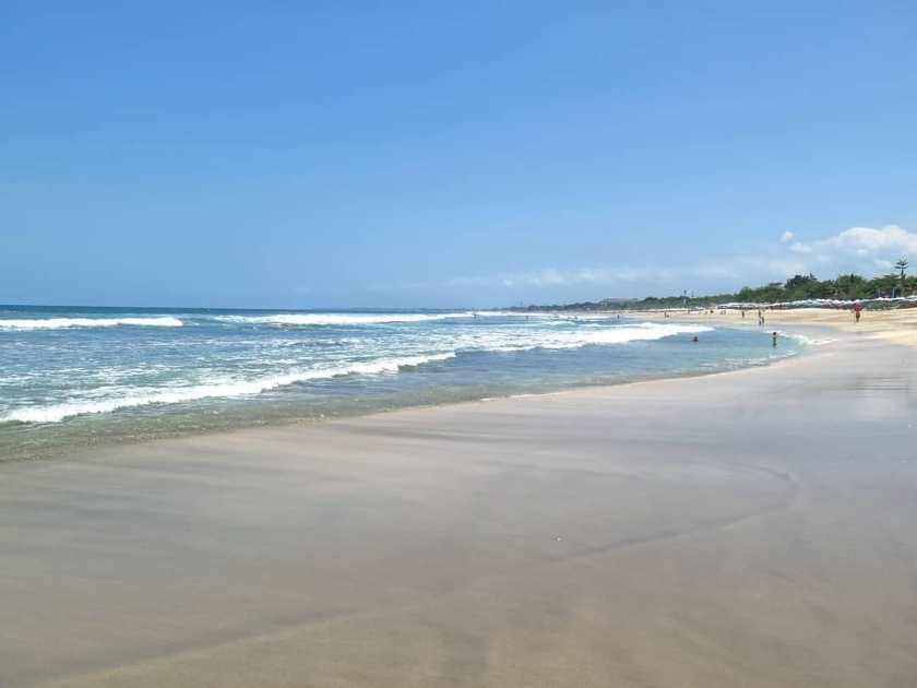 Pantai Legian 4