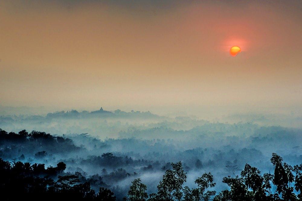 Eloknya Sunrise Di Puthuk Setumbu, Magelang Punya.
