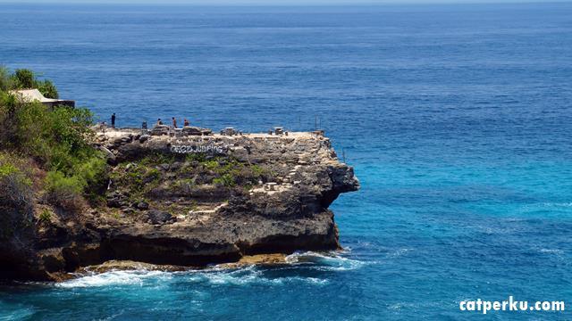 Pacu Adrenalinmu! Lompat Dengan Semangat Dari Nusa Ceningan Cliff Jump Point.