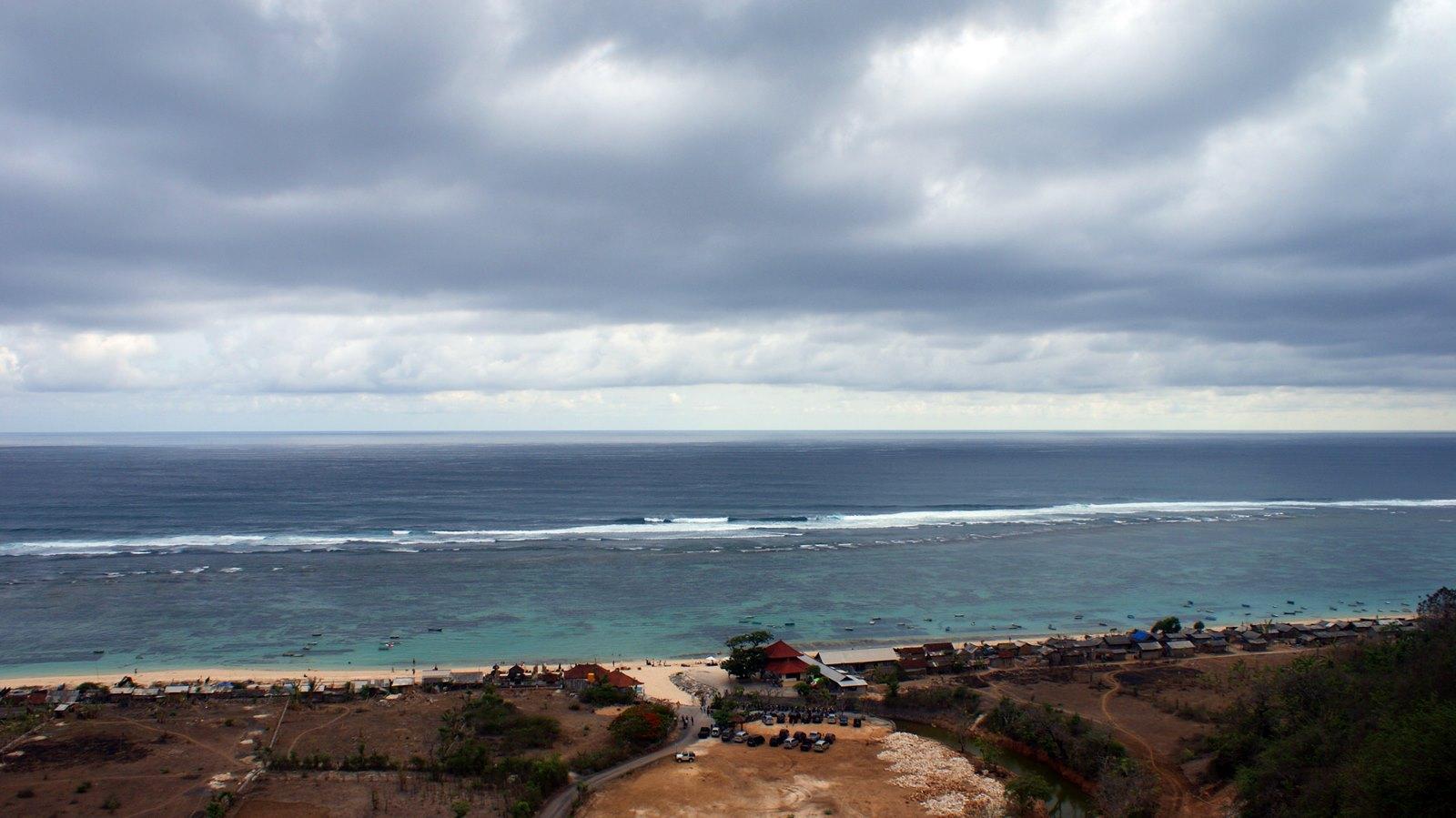 Pantai Pandawa Dan Keseruan Yang Tak Ada Habisnya