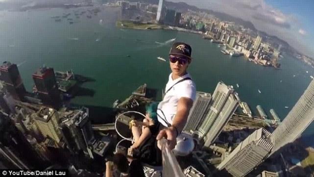 Selfie seperti ini memang keren sih, tapi membahayakan nyawa.