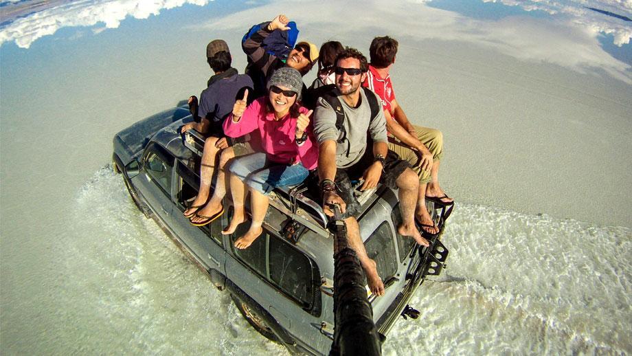 Travel Video -Ultimate Selfie Ala Alex Chacon!
