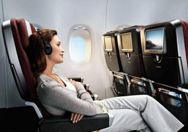 Pakai Baju Yang Nyaman Selama Terbang Di Pesawat.
