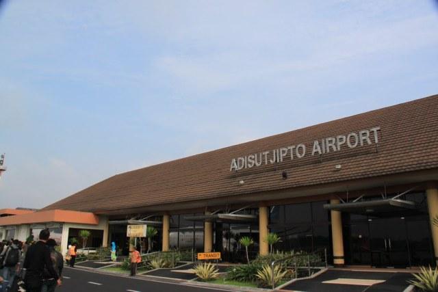 Bandara internasional Yogyakarta Adisucipto.