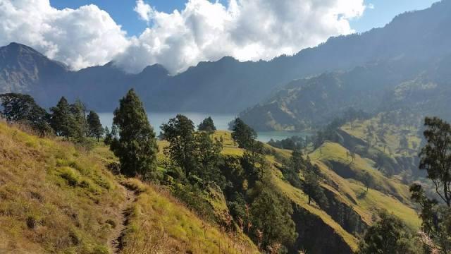 Bentang alam Gunung Rinjani tiada duanya!