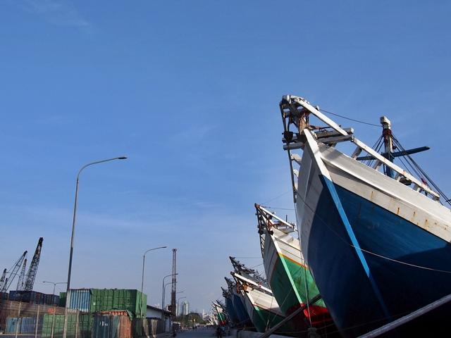 OKapal-kapal Besar di Pelabuhan Sunda Kelapa