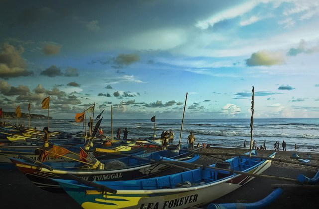 Menengok Pantai Depok Yogyakarta