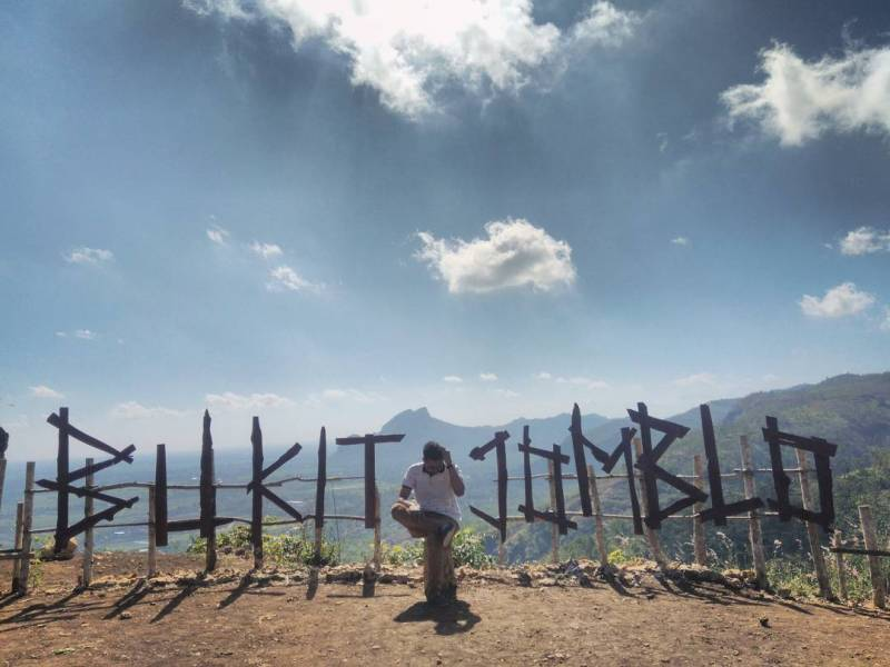Bukit Jomblo ini salah satu objek wisata Tulungagung terbaru! by @dimaspanduperdana