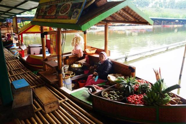 Floating Market, Bandung