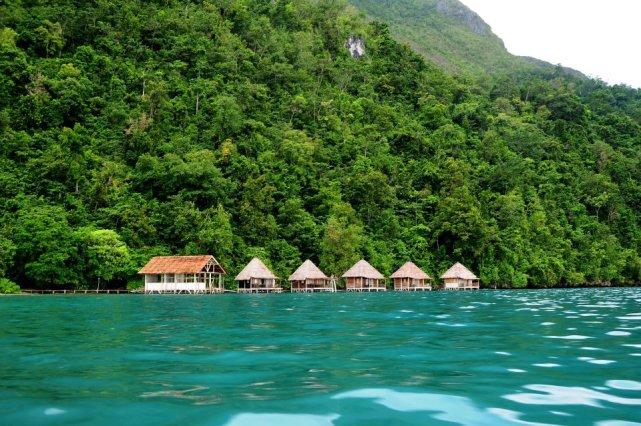Pantai Ora di Maluku (sumber)