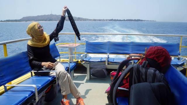 Untuk menuju Nusa Lembongan cara paling cepat adalah naik Fast Boat.Untuk menuju Nusa Lembongan cara paling cepat adalah naik Fast Boat.