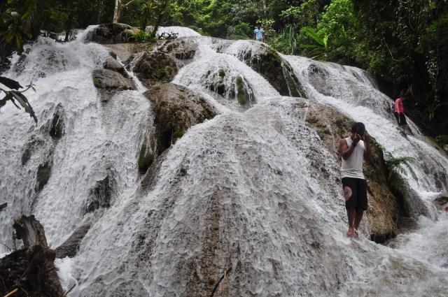Air Terjun Saluopa, salah satu air terjun keren dari Indonesia!