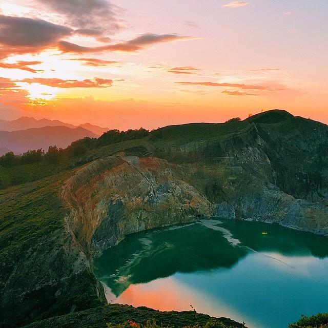 Gunung Kelimutu, Flores, Nusa Tenggara Timur