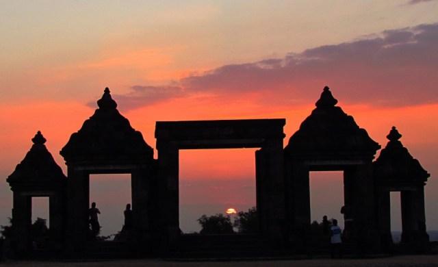 Sunset aduhai di Keraton Ratu Boko, Yogyakarta (sumber)