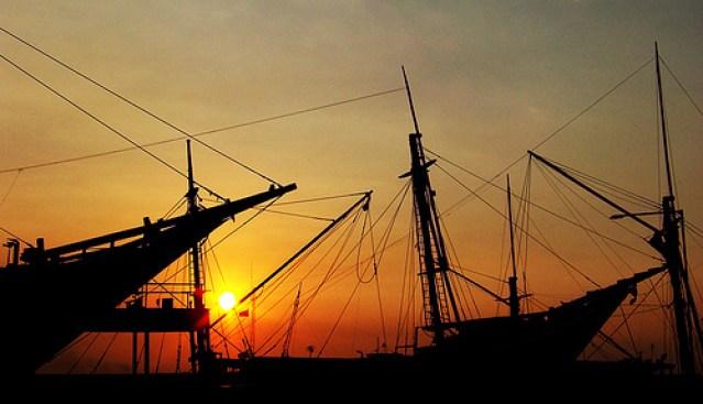 Pelabuhan Sunda Kelapa di Jakarta ketika menjelang sunset (sumber)