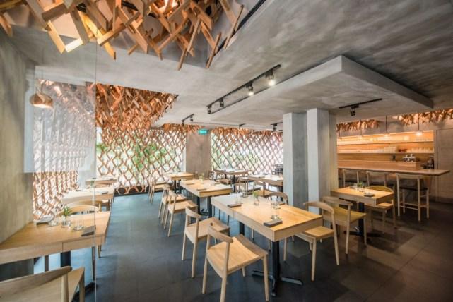 Salah satu restoran Singapura yang selalu ,enhadirkan menu baru