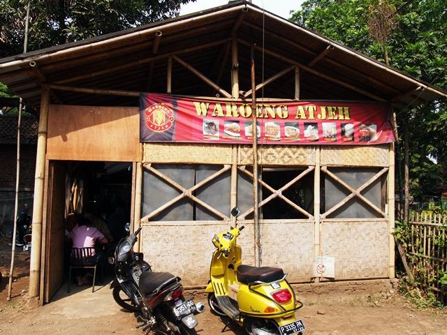 Waroeng Atjeh yang menjual mie khas Aceh