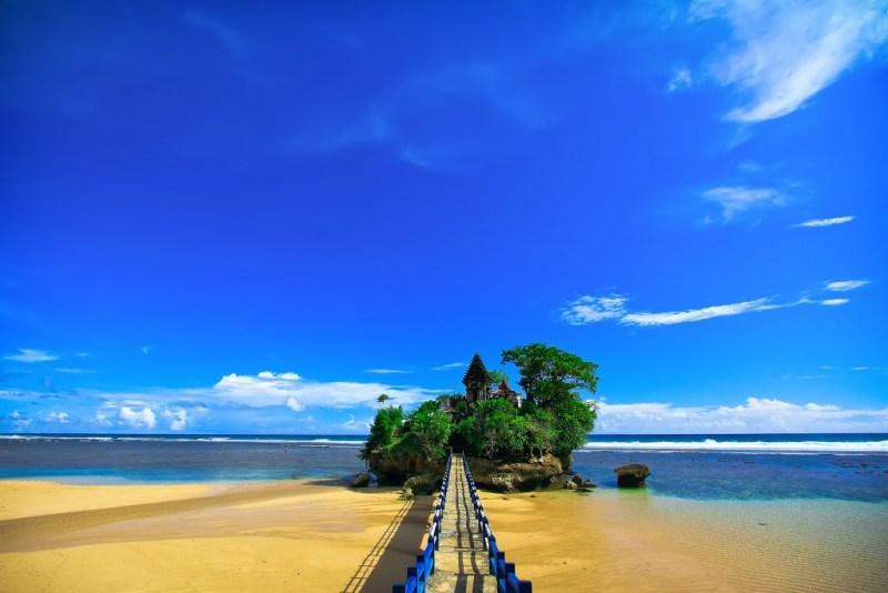Daftar Pantai - Pantai Di Malang Untuk Rekomendasi Liburan Kalian!