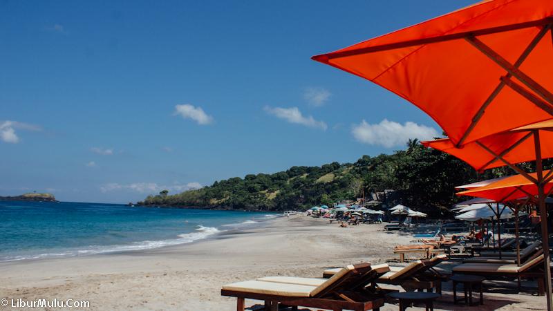 Bulan november adalah bulan yang menyenangkan untuk pergi ke pantai di Bali.