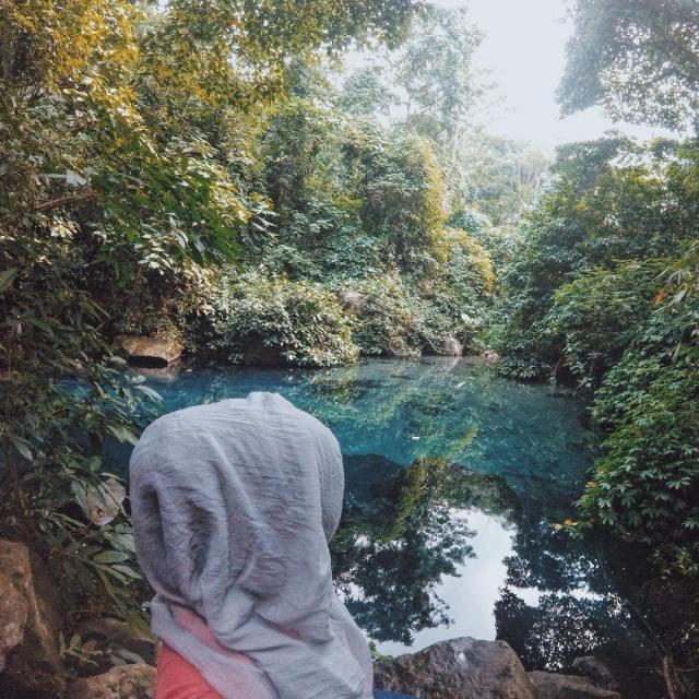 Jaga kebersihan dan jangan berenang disini yak! Karena masih banyak teman lain yang ingin datang berkunjung dan menikmati keindahannya!