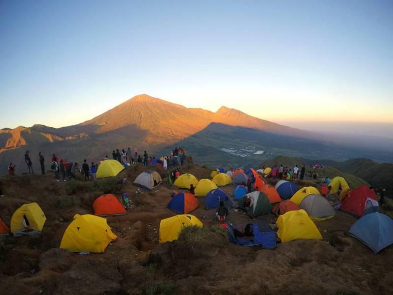Kalian bisa camping di Bukit Pergasingan juga kok!