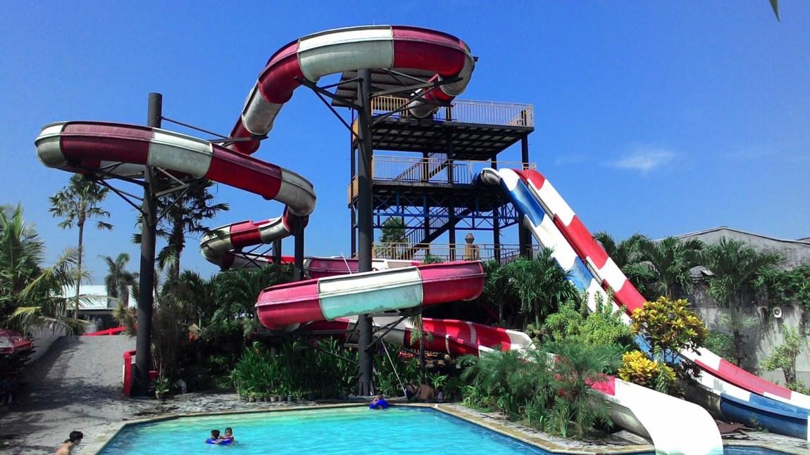 Hari yang cerah di Balong Waterpark