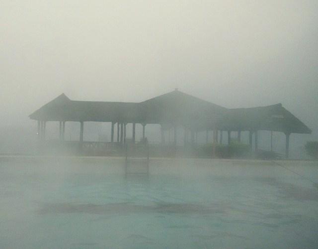 Kalau kabut lagi turun, di Cibolang itu serasa di dunia fiksi