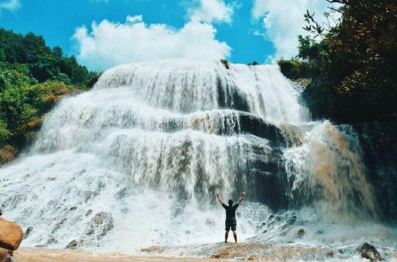 Curug Cirajeg, Mungkin Belum Banyak Yang Tahu Tempat Wisata Di Sukabumi Yang Ini, Tapi Tempatnya Keren Loh!