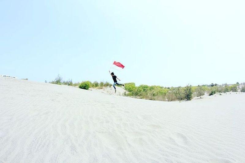 Nggak perlu ke Gurun Sahara, ke Gumuk Pasir Yogyakarta saja deh!