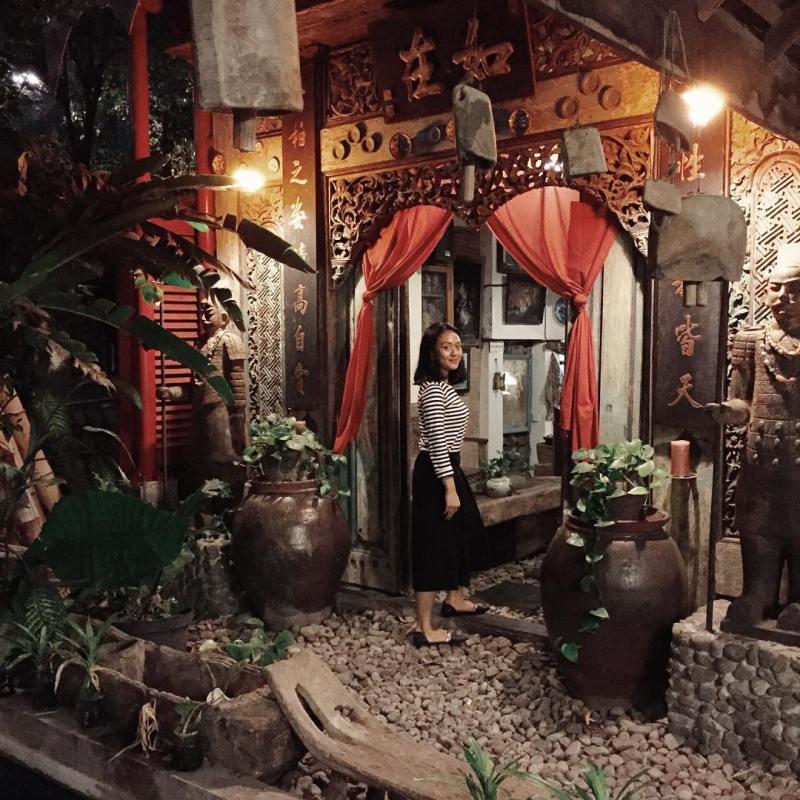 Hunting foto IG di Roemah Coffee Loe Mien Toe? Bisa banget! via @andrisaartati