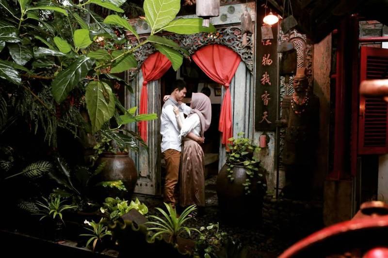 Roemah Coffee Loe Mien Toe di Malang ini asik buat hunting foto pre-wedding juga. via @intandesabrina